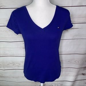 Tommy Hilfiger • classic cotton v-neck tee size S